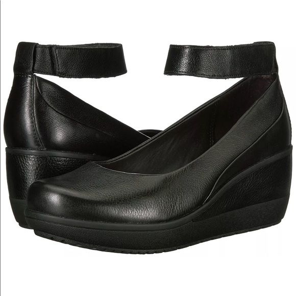 0229c45d64f Clarks Shoes - Clarks Womens Wynnmere Fox Black Leather Wedge EUC